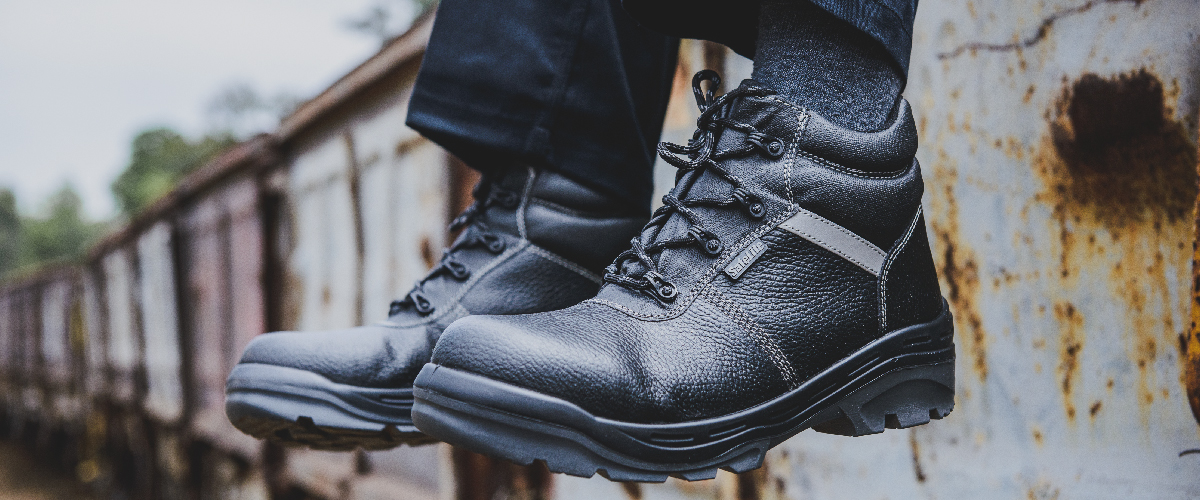 Benefits-of-a-metal-free-safety-boot