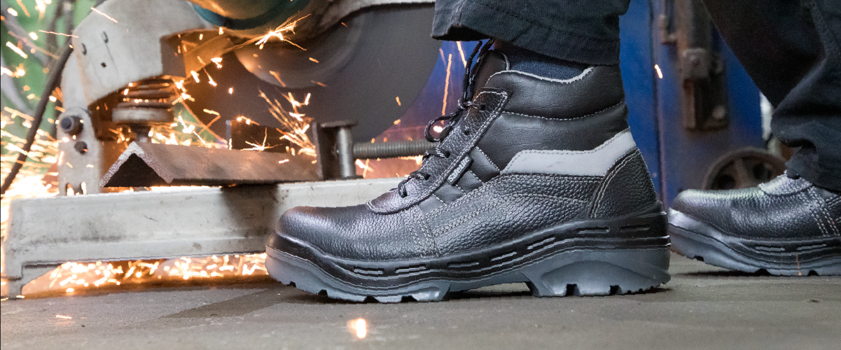 Metal-Free Mining Safety Boots